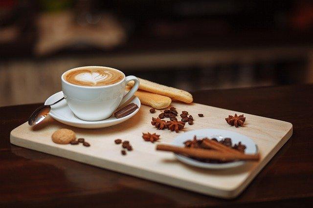 koření u kávy